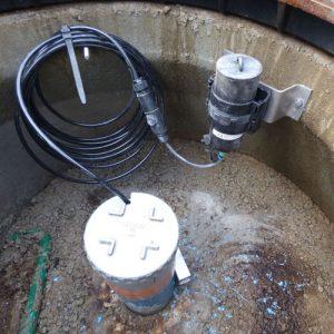 Capteur de niveau sur piezomètre LOG-Hydro avec enregistreur LOG09V3 et capteur CNR